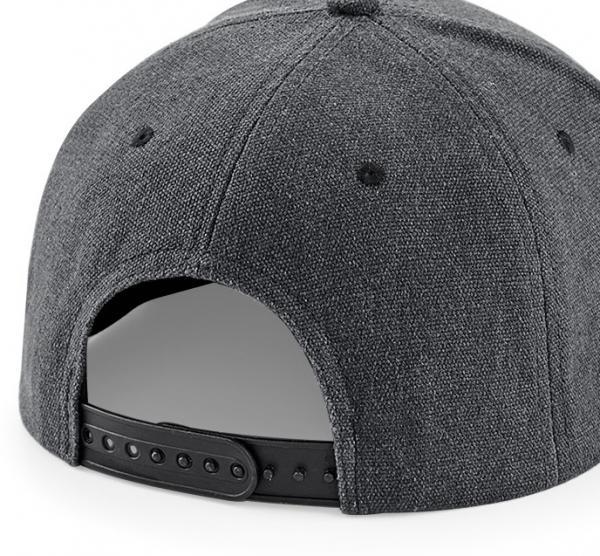 snapback-cap-schwarz-gestalten
